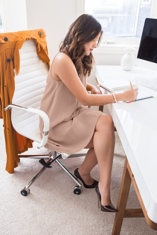 Connecting women with their inner power to start, succeed and grow with their dream business.